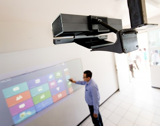 Microsoft's Kinect For Windows Adapter Used In Classroom Presentations