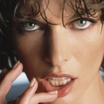 10-Milla Jovovich-wallpaper