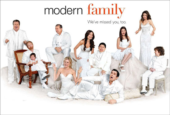 Tv themes modern family windows 7 wallpaper theme for Modern family wallpaper