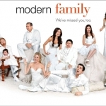modern family-wallpaper1