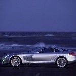Mercedes-Benz SLR McLaren 02-mercedes-wallpaper
